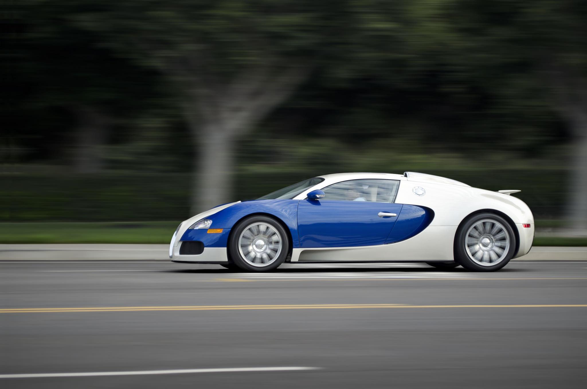 bugatti veyron roule