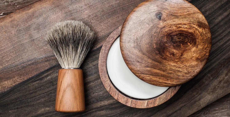 cr me raser ou savon barbe nos conseils rasage. Black Bedroom Furniture Sets. Home Design Ideas