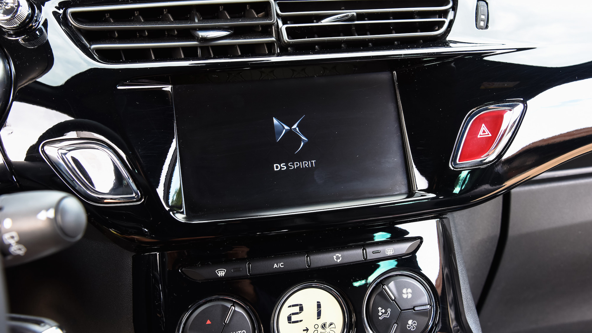 intérieur GPS DS3 tactile