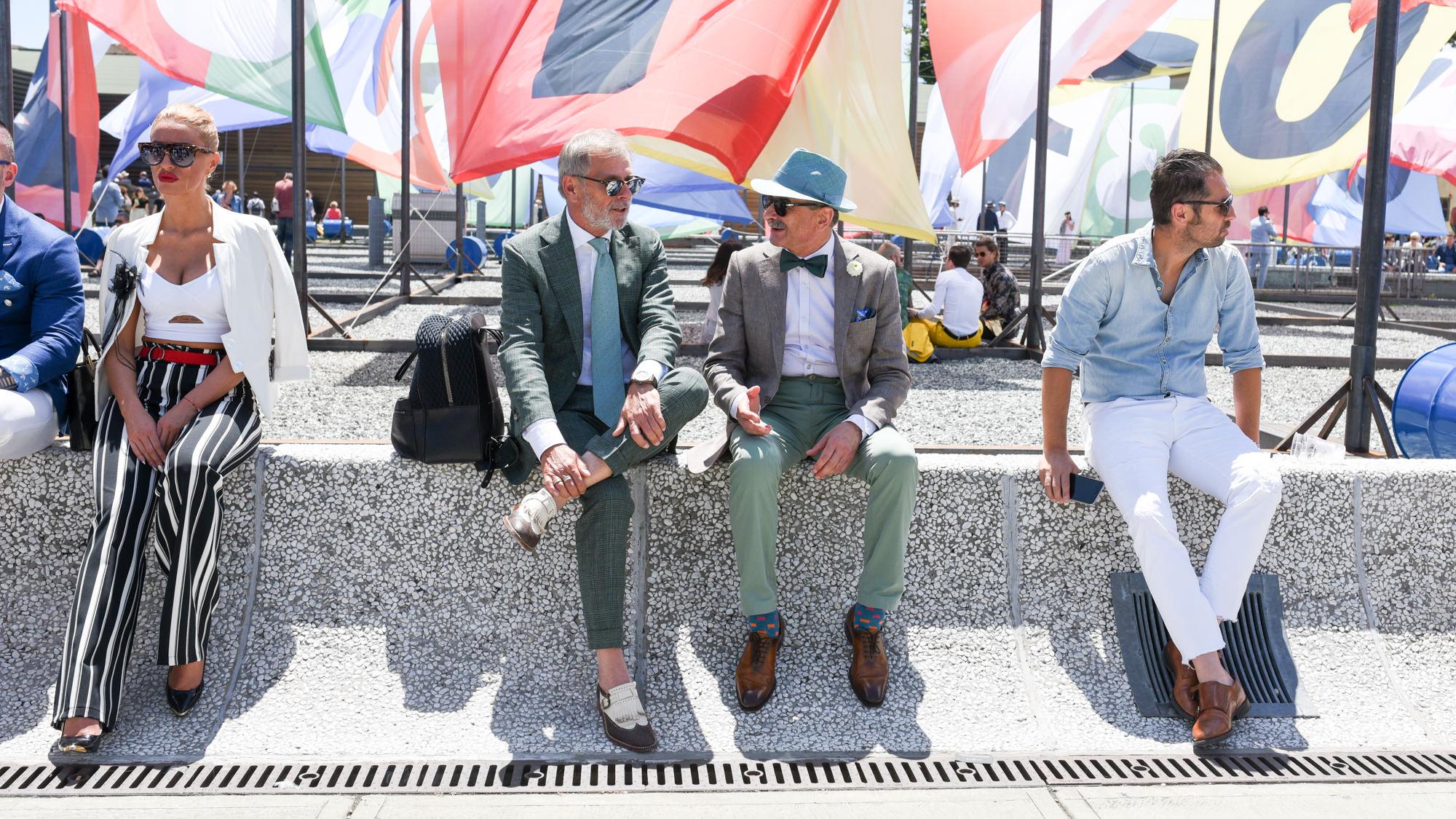 mur pitti uomo 90 drapeau