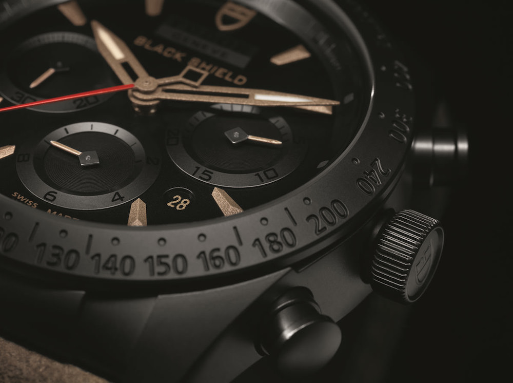 Montre homme Tudor Fastrider Black Shield chronograph noir Cadran détail- verygoodlord