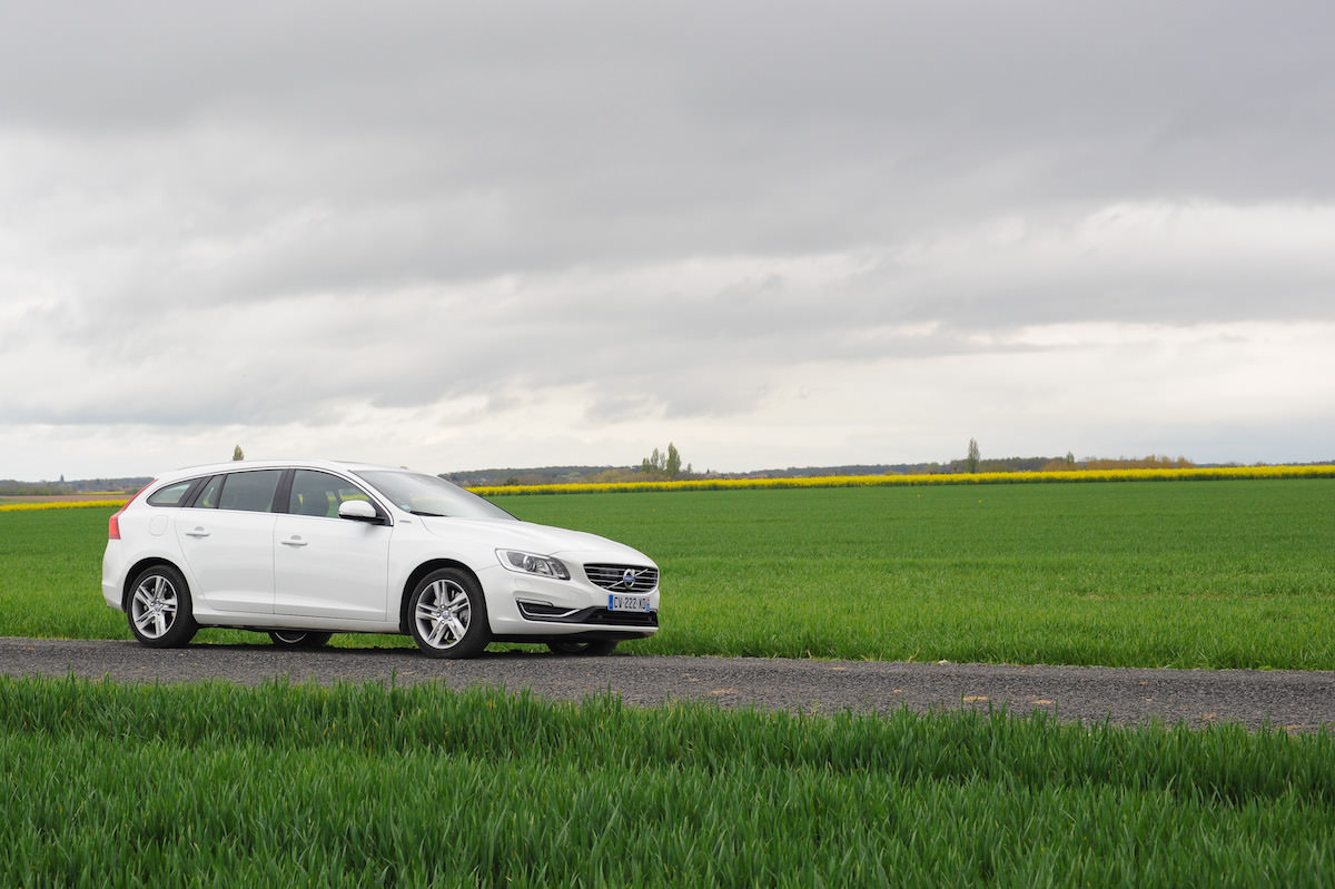 Volvo v60 hybrid test avis carosserie profil campagne couleur verygoodlord