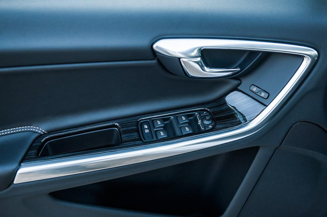 Volvo v60 hybrid test avis intérieur portiere verygoodlord