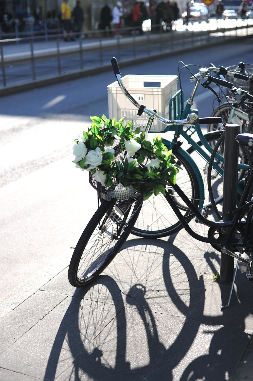 lancement VOLVO XC90 2014 Stockholm velo fleurs