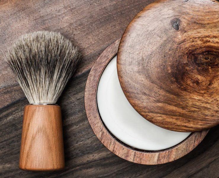 creme a raser ou savon a barbe