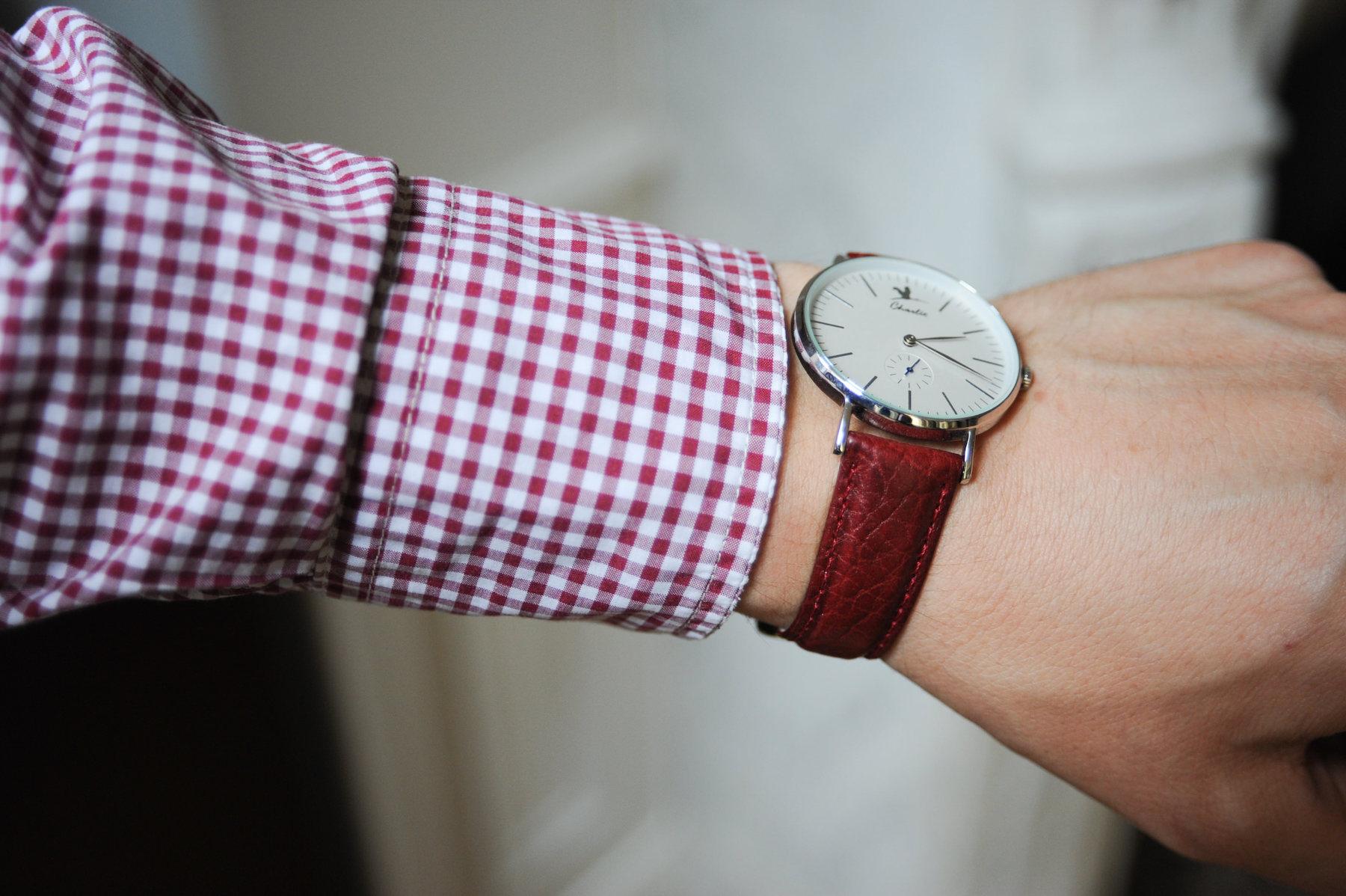 bracelet rouge charlie watch