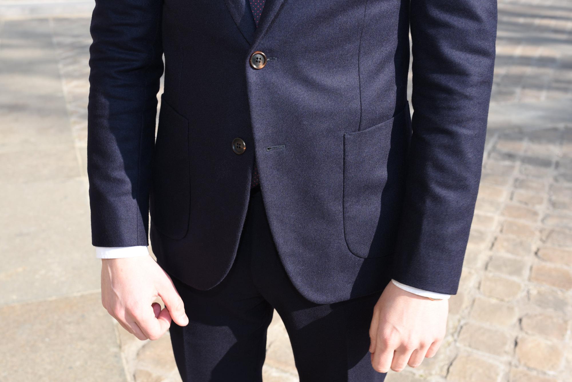 avant costume bleu marine