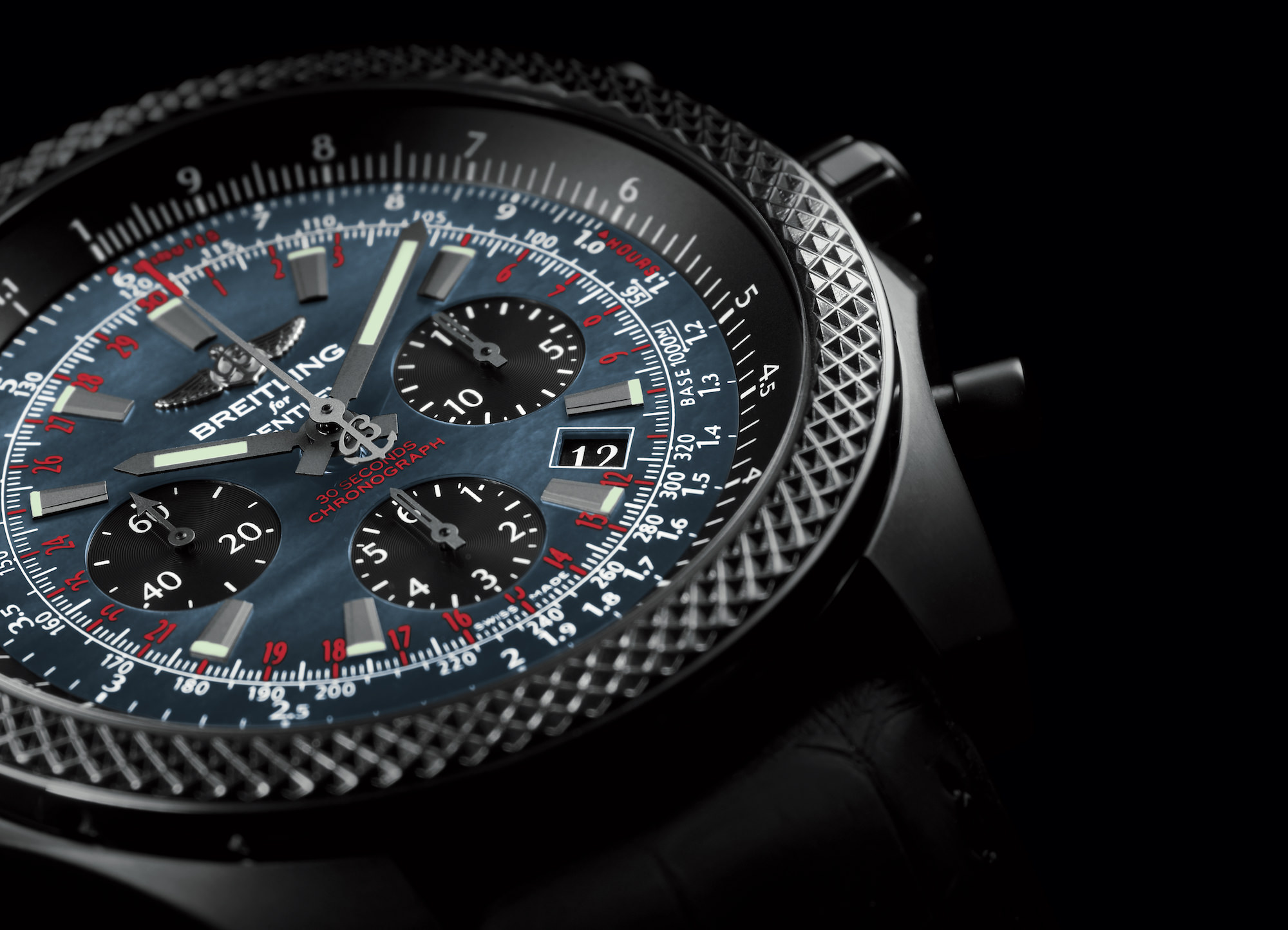 Bentley B06 Midnight Carbon close up