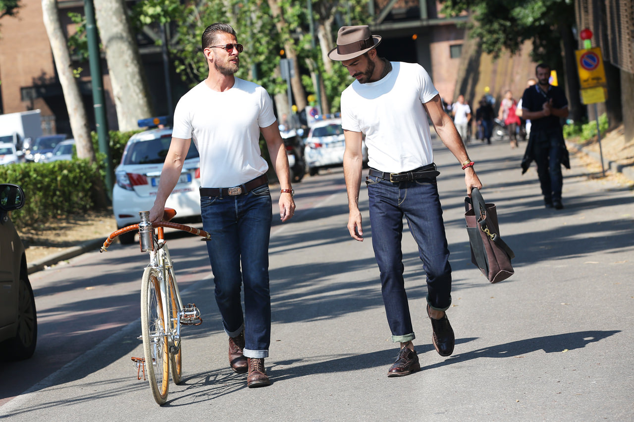 look t-shirt blanc jean brut