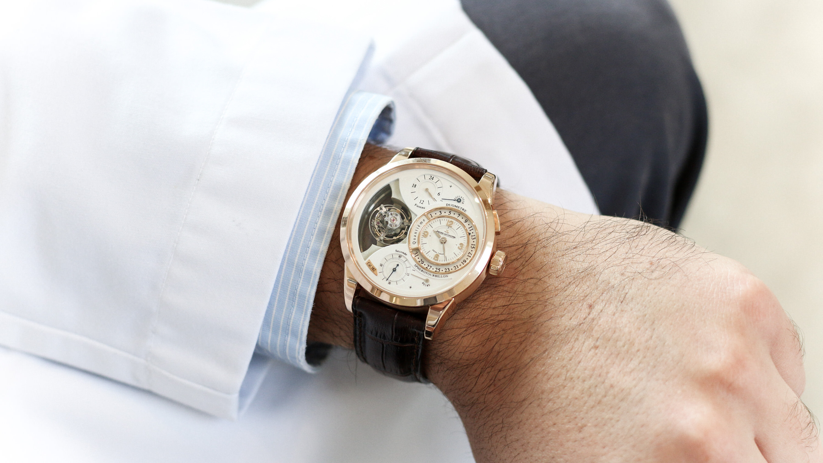 spherotourbillon jaeger lecoultre wristshot portee