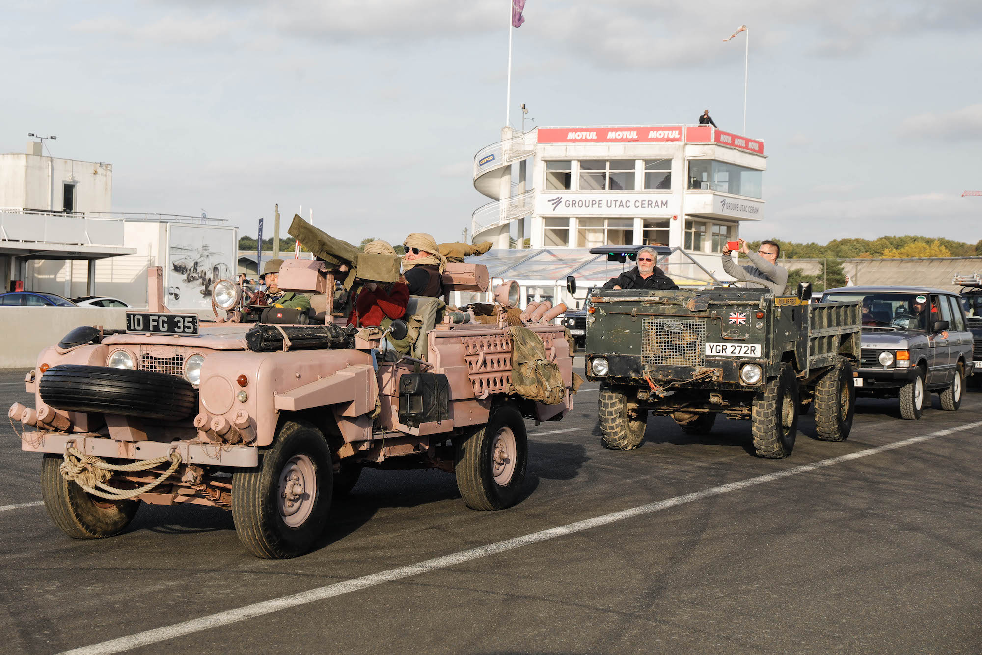 anciens modeles defender 2A Pink Panther militaire JLR Festival 2019 France