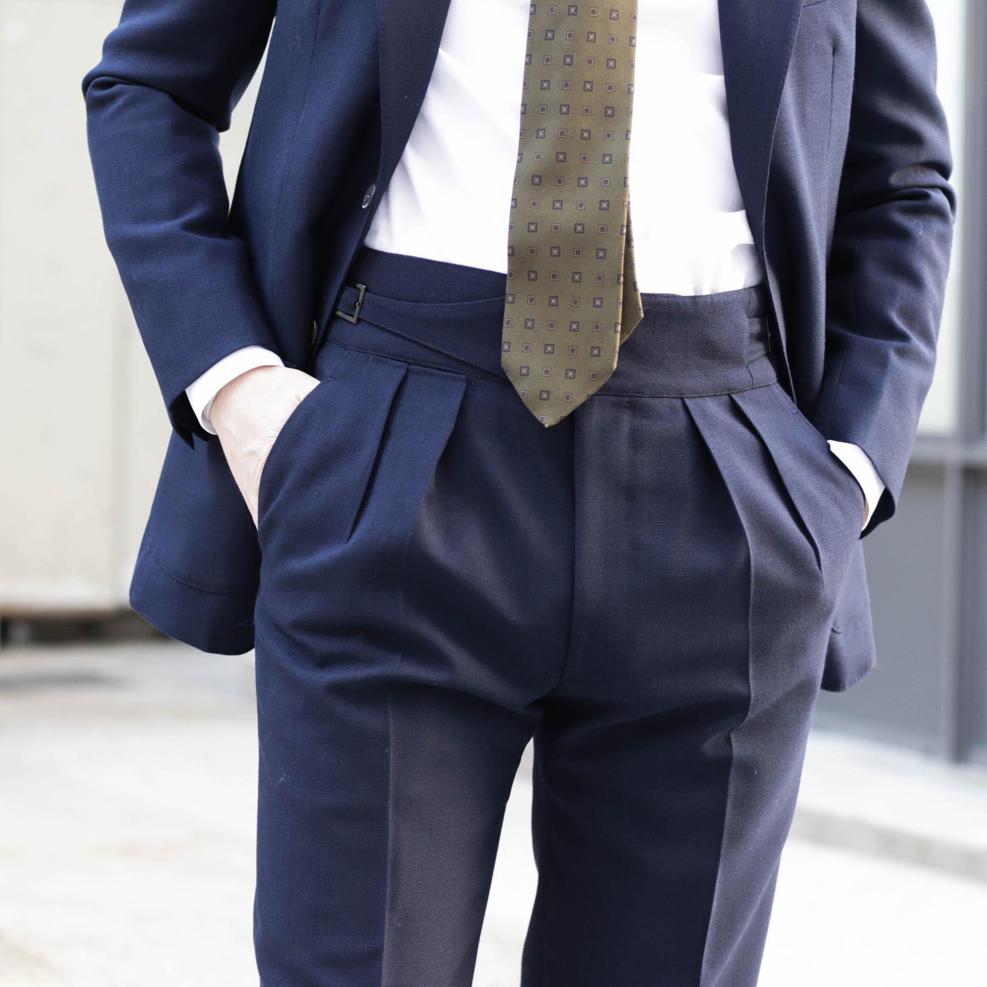 detail pantalon gurkha