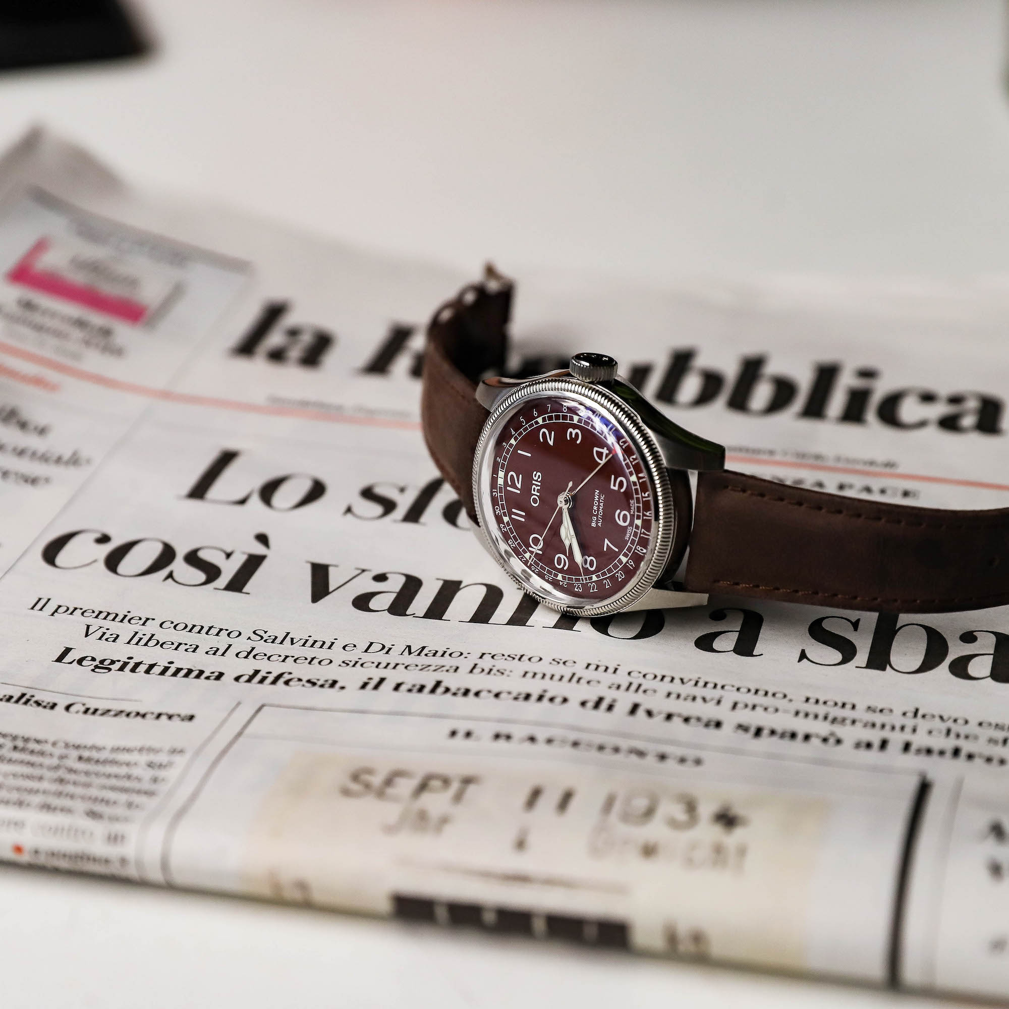 oris big crown burgundy