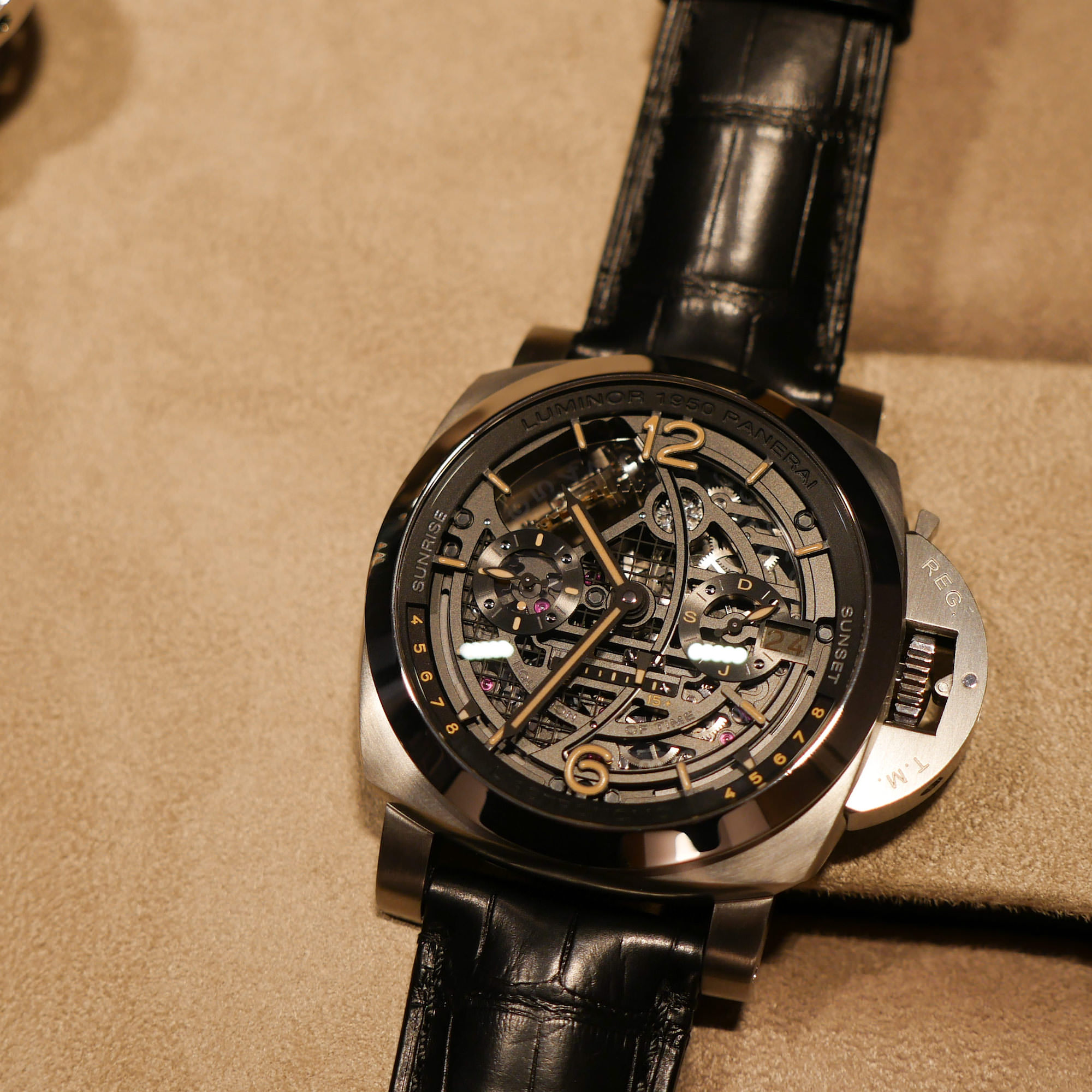 Astronomo Luminor 1950, Tourbillon Phase de Lune, GMT, 50mm face