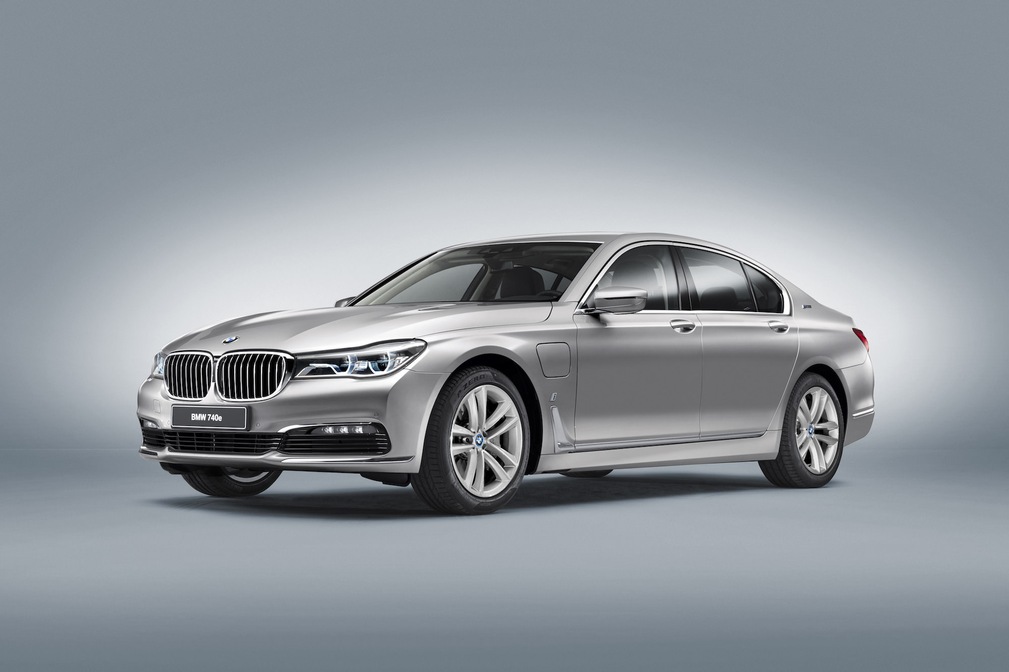 avait BMW 740e iPerformance
