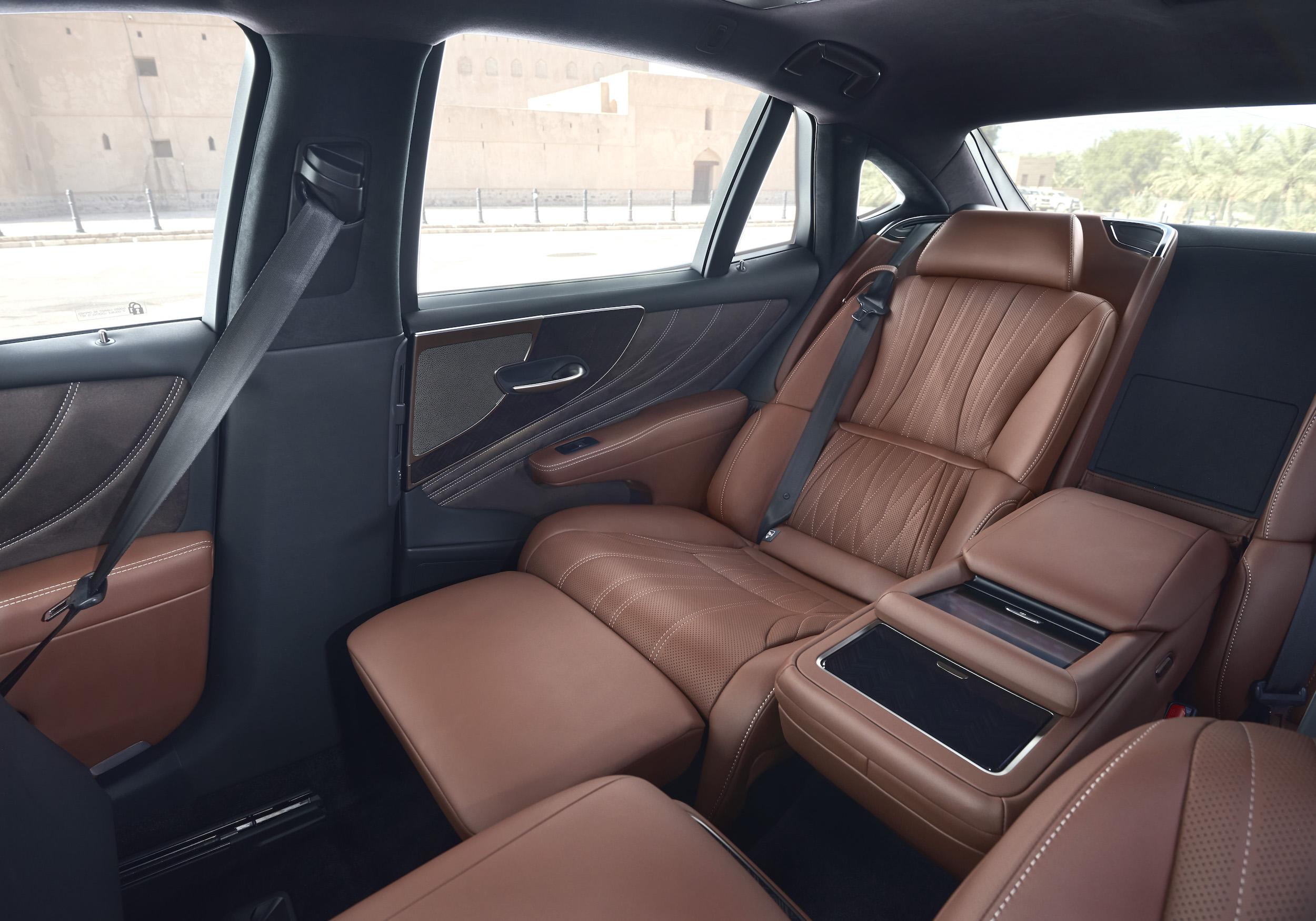 sièges arrière Lexus ls500h