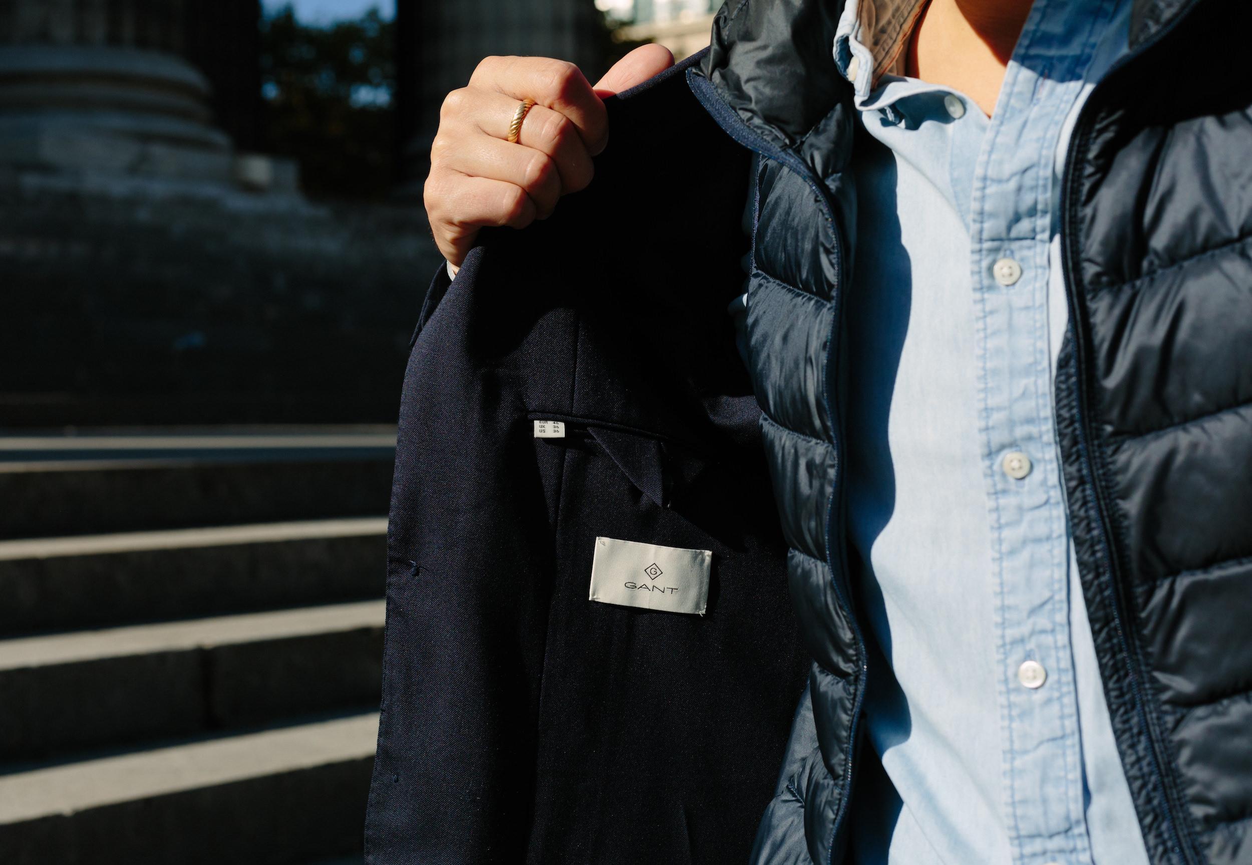 etiquette gant costume homme