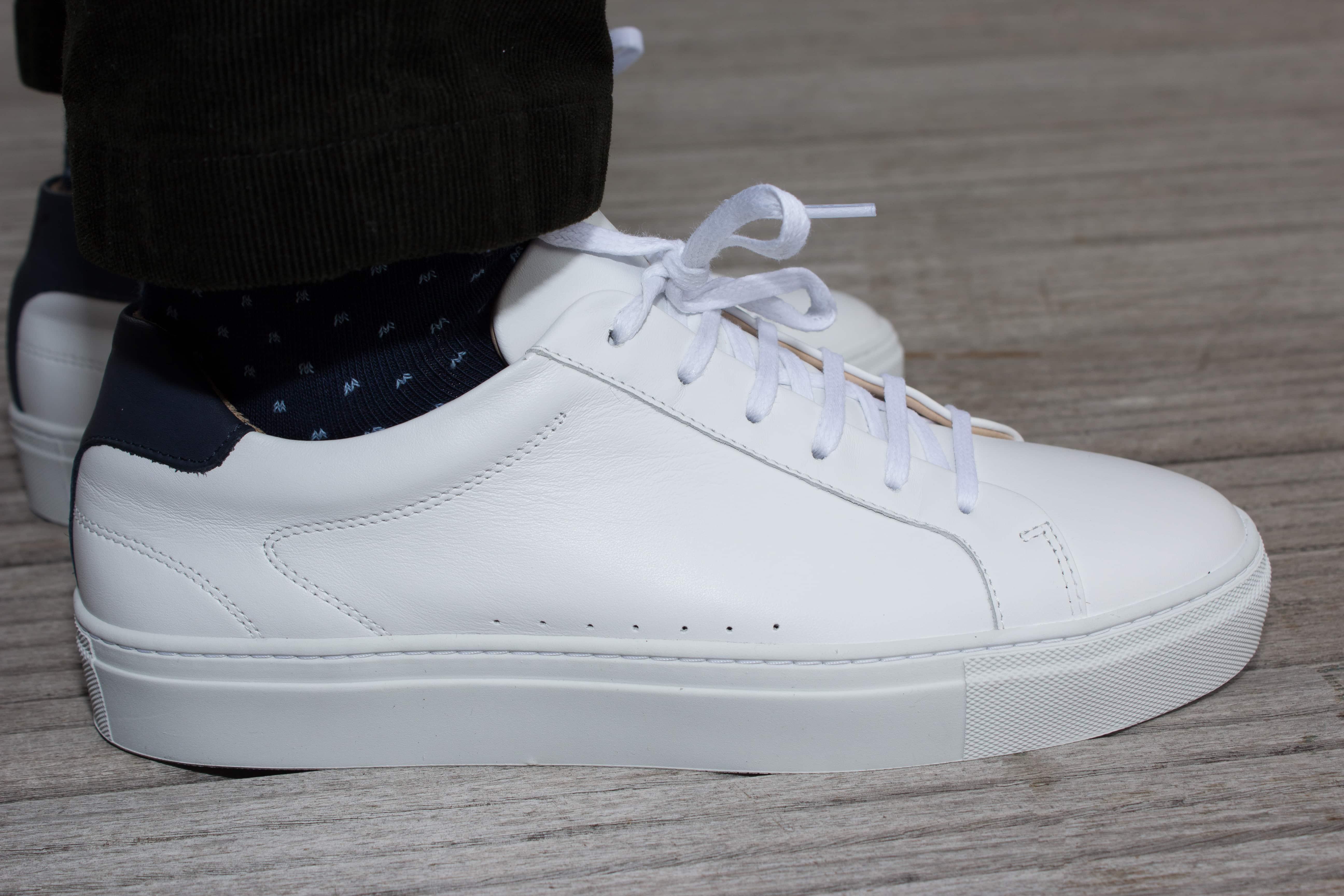 Sneakers Pied de Biche portées avec pantalon Uniqlo