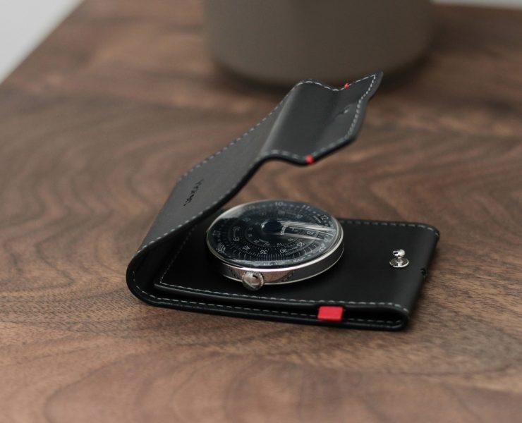 Klok-01 klokers pocket desk
