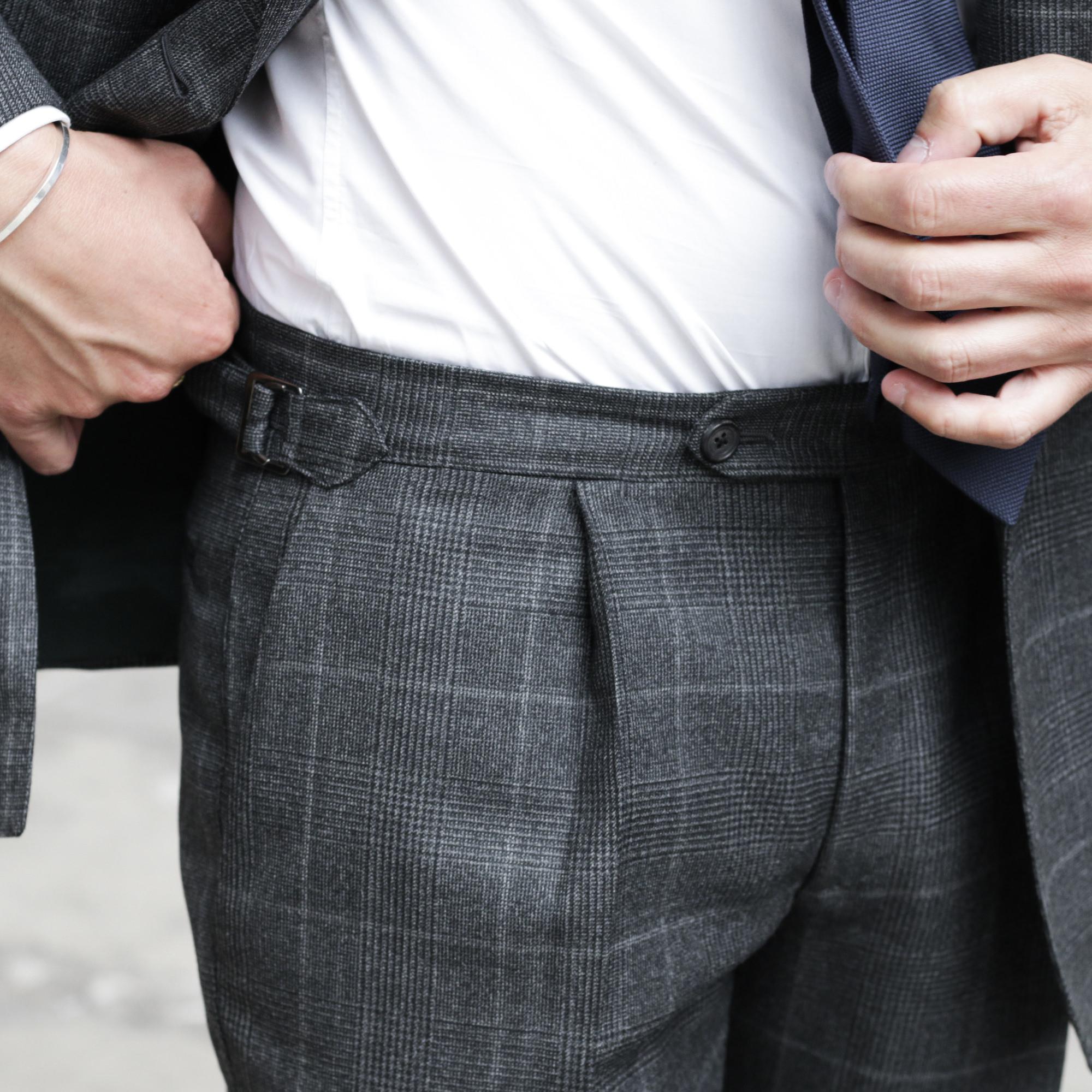 patte de serrage pantalon