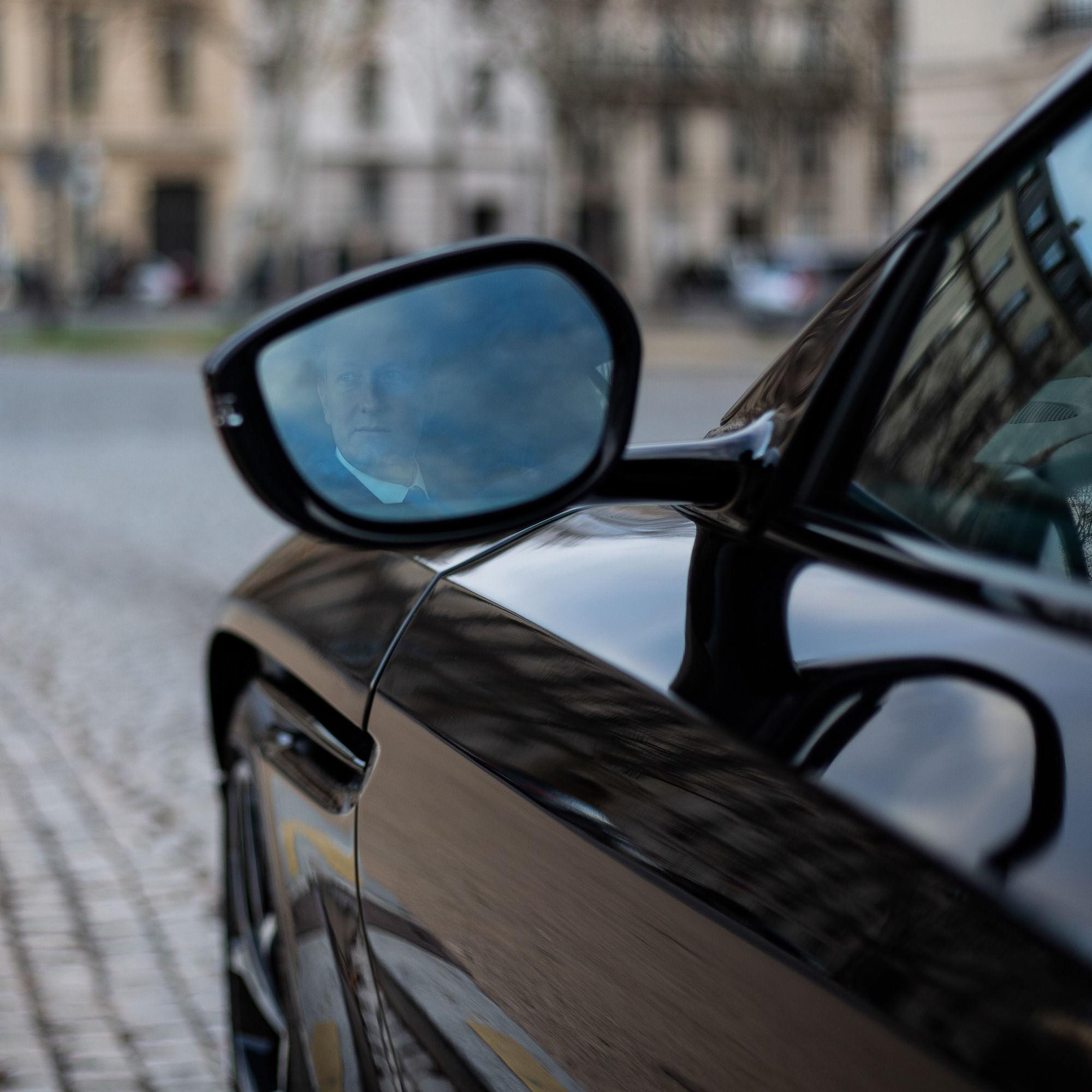 rétroviseur Aston Martin