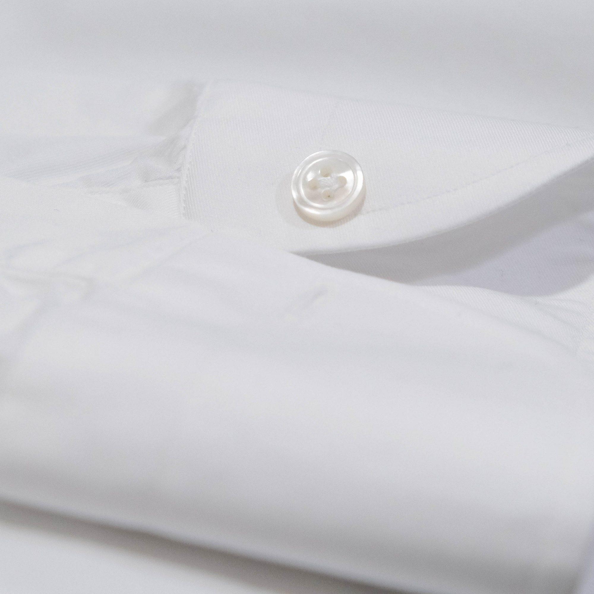 bouton de chemise Avino Laboratorio Napoletano sur mesure