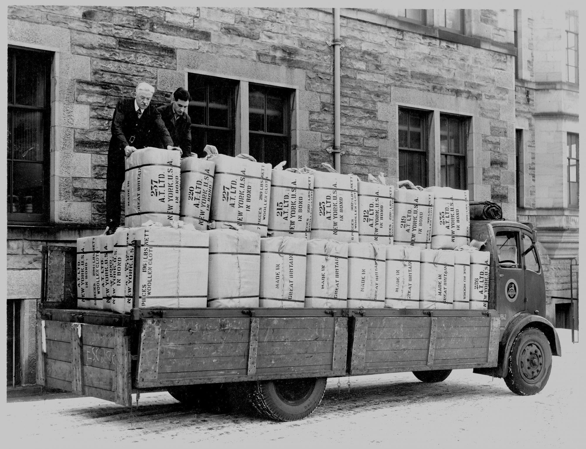 Camion de ballots de tissu Holland and Sherry