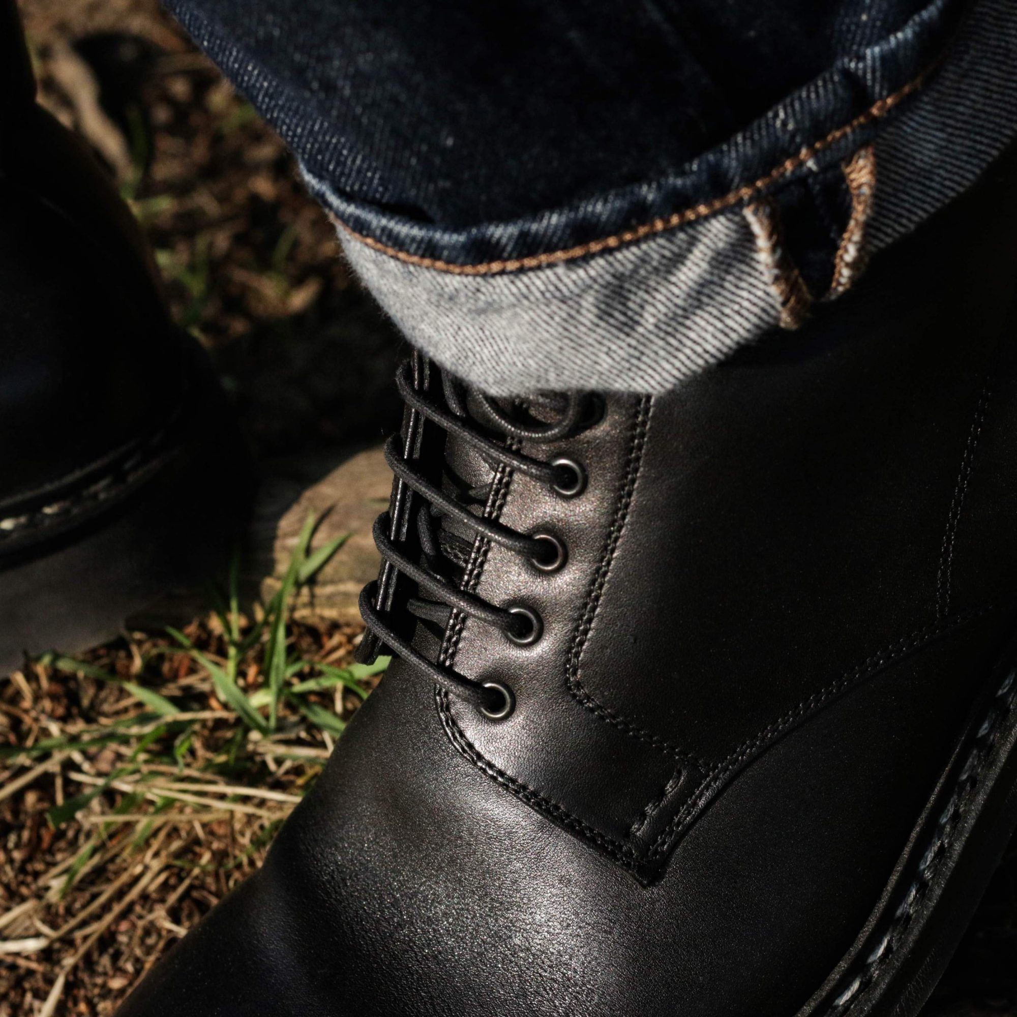 oeillets boots homme