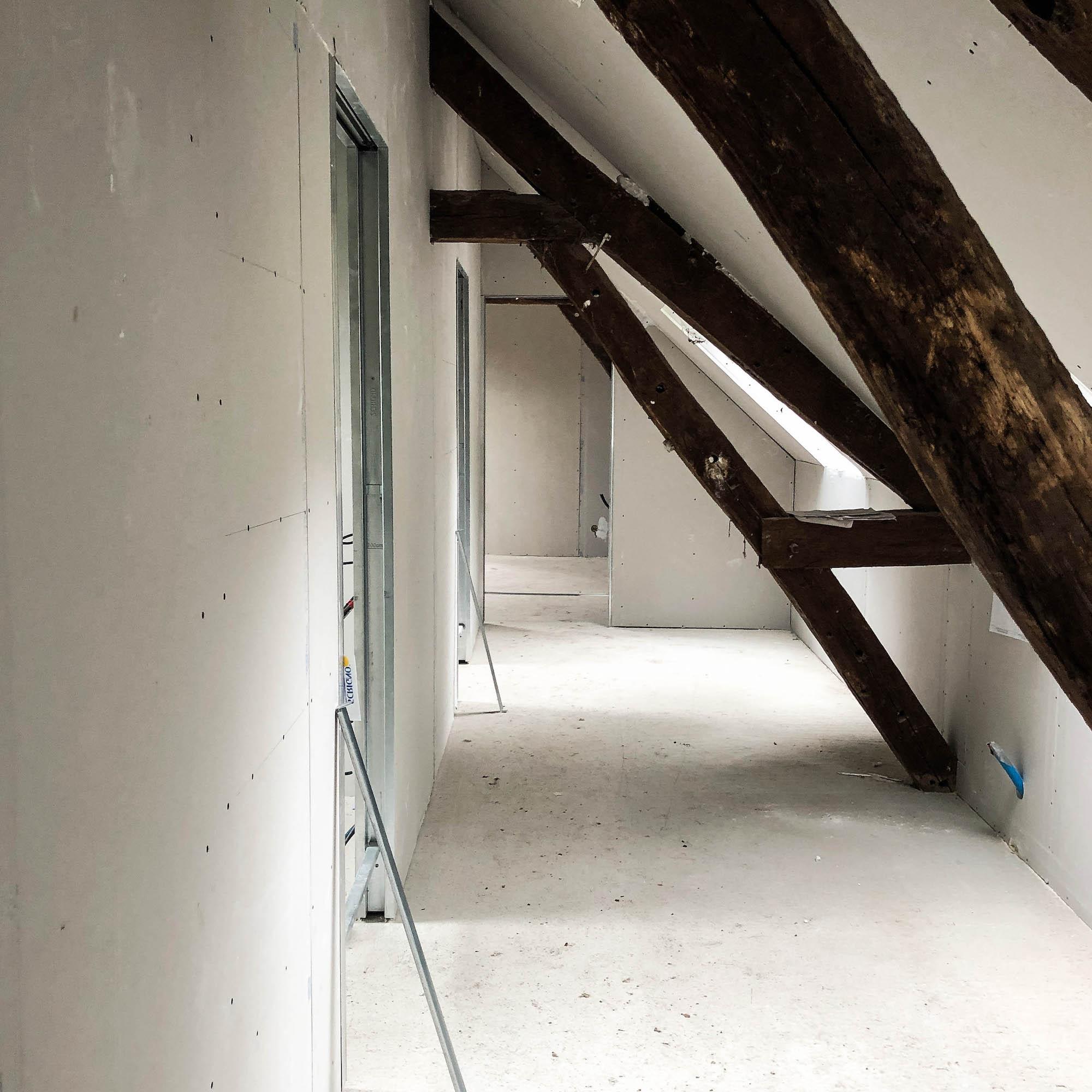 etage couloir maison placo