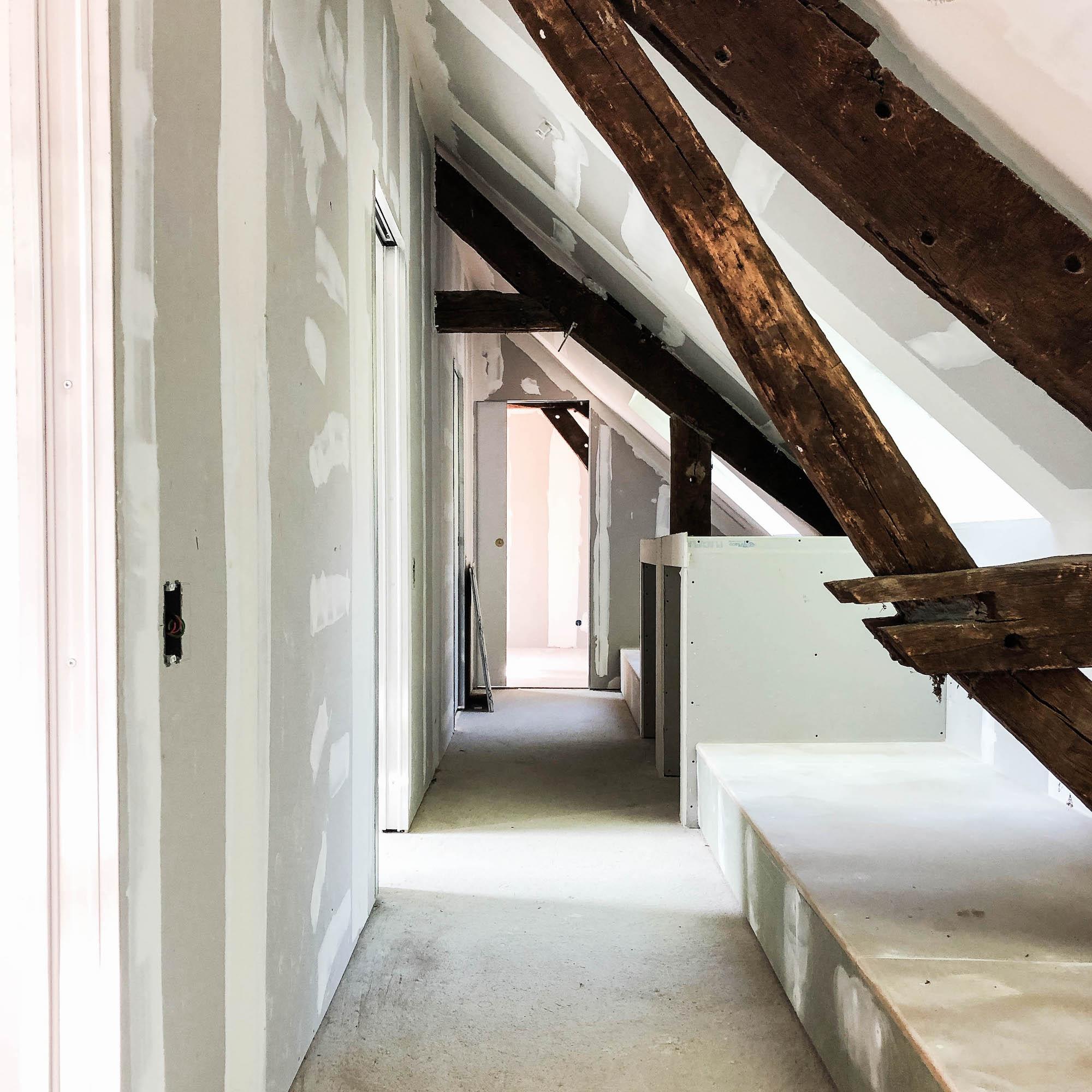 etage maison couloir