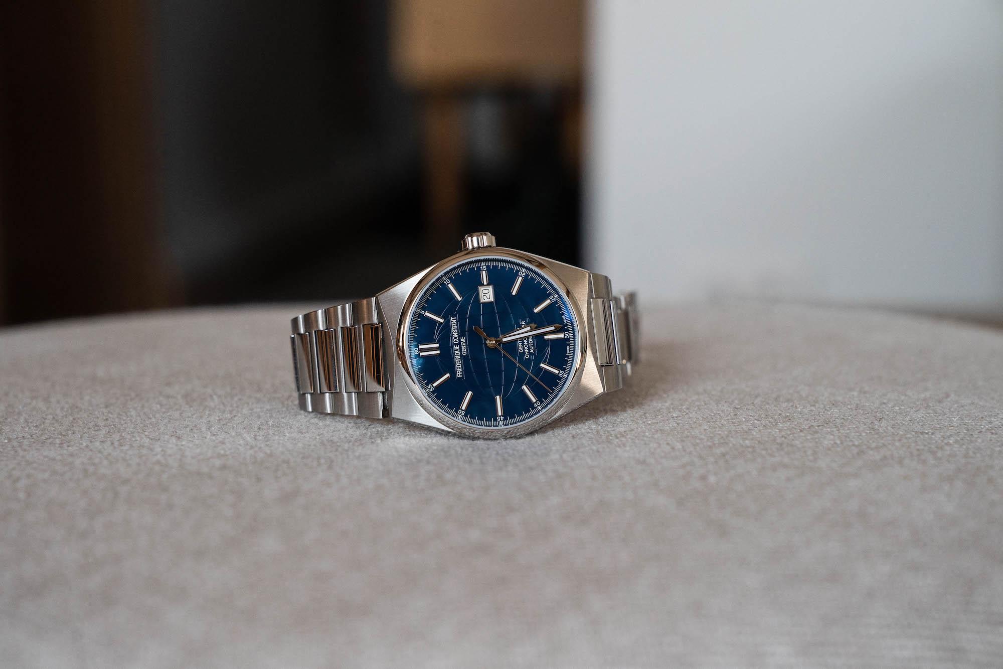 Cadran Frederique Constant Highlife bleu cosc automatique