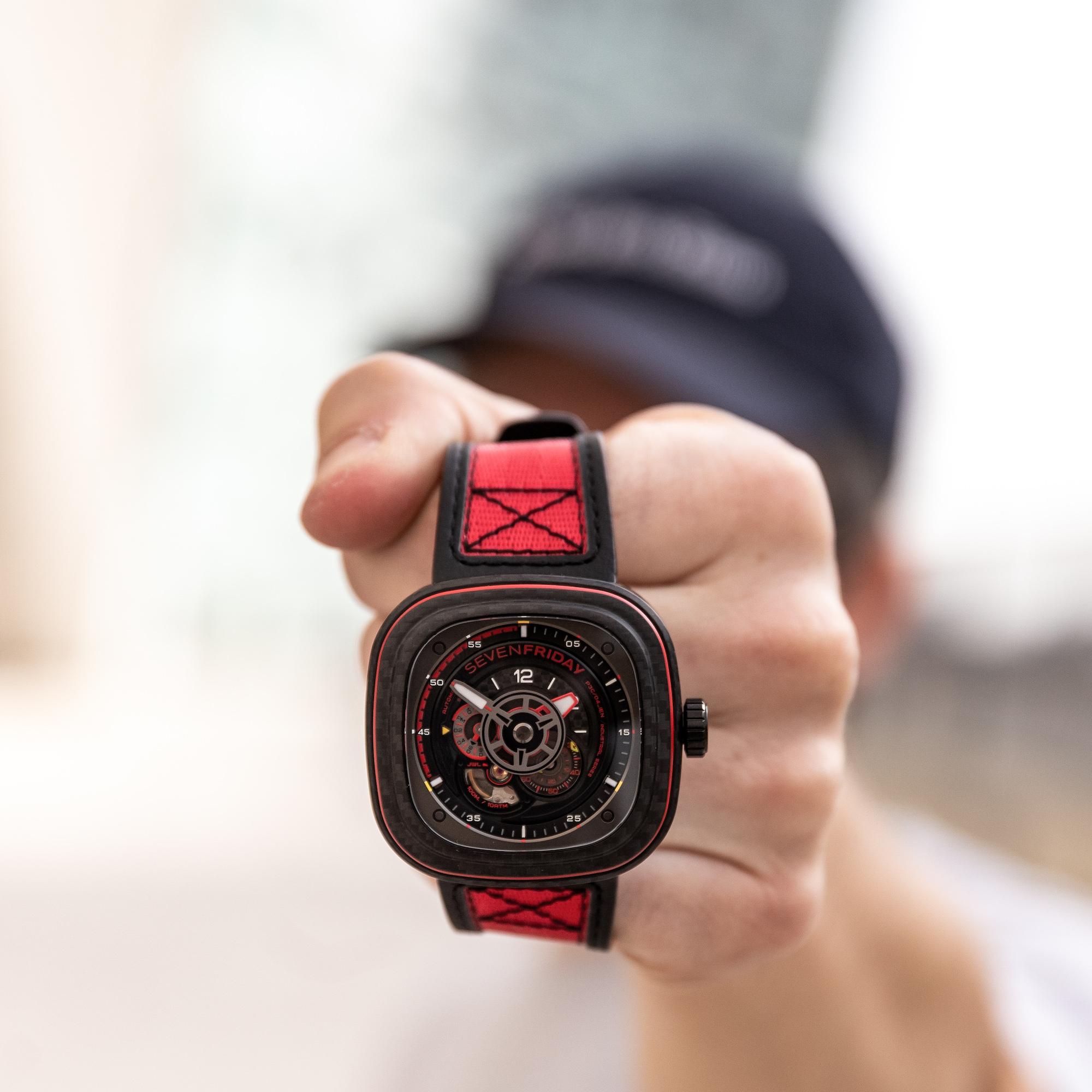 Montre P3C:04 Red Carbon Sevenfriday
